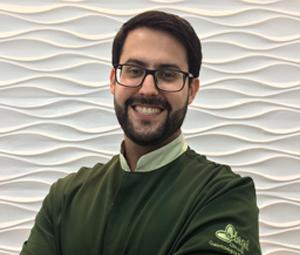 Dr. Gustavo Antar