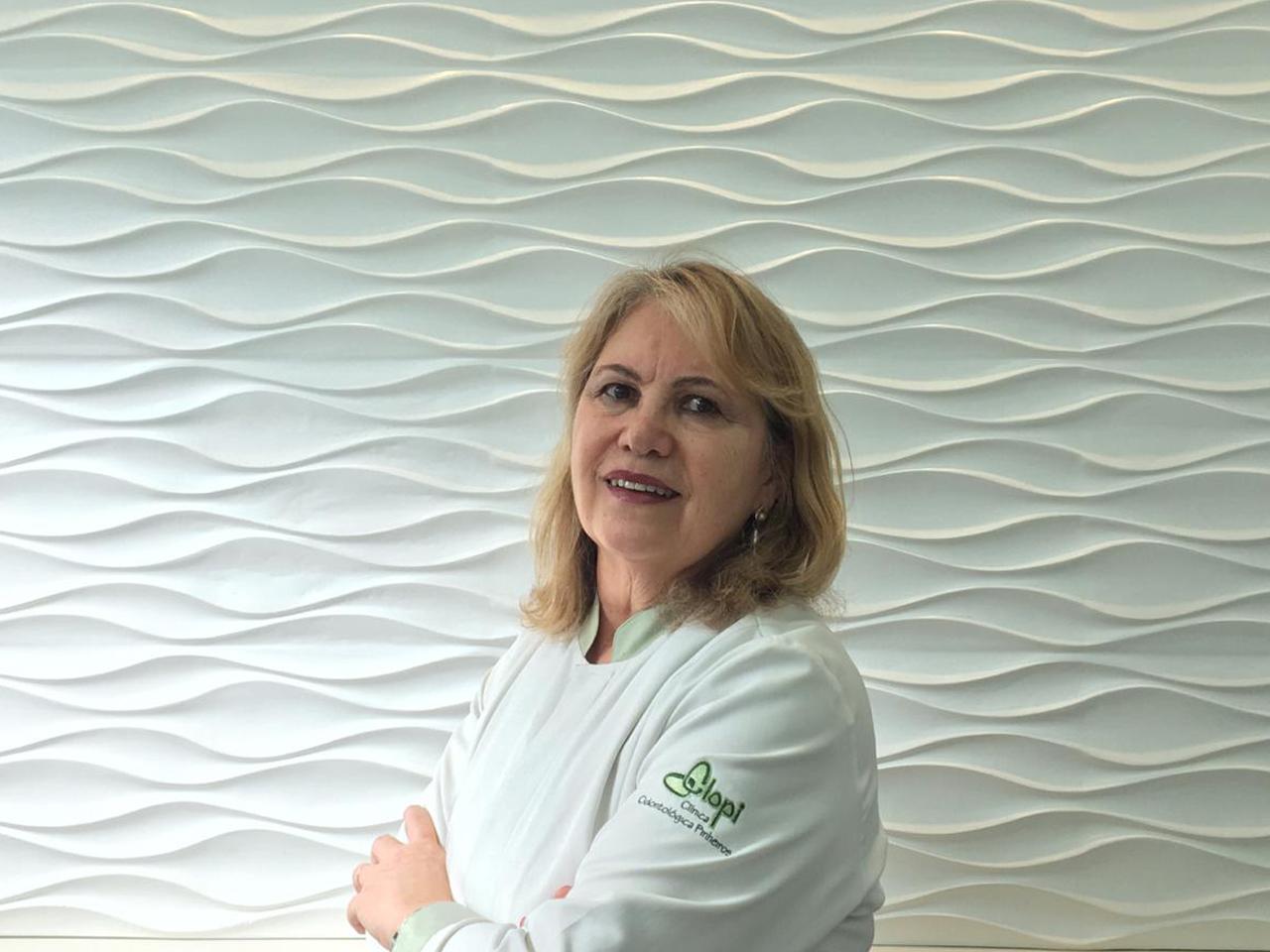 Dra. Vera L. Ferlin Antunes